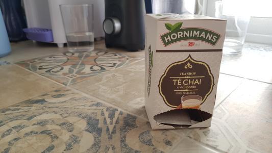 Probando té chai de Hornimans
